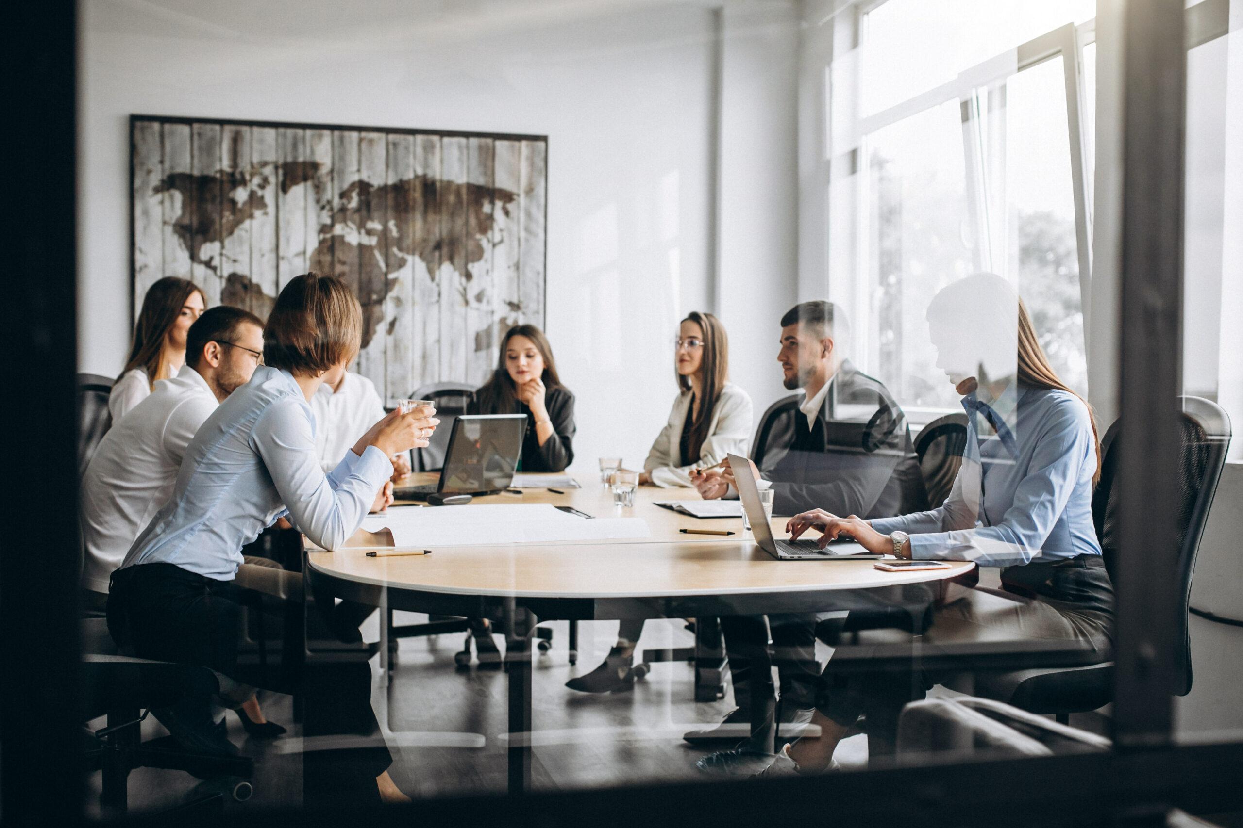 Las tendencias en el trabajo y aprendizaje corporativo para 2025